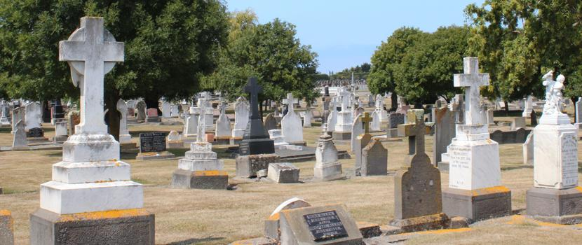 Cemetery thumbnail image.