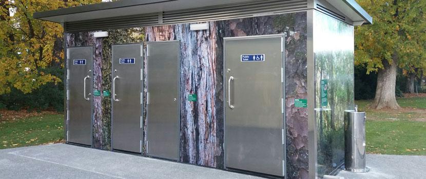 Public Toilets thumbnail image.